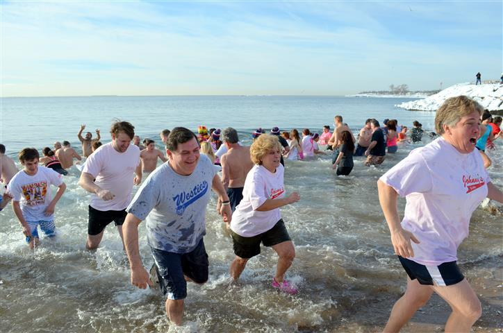 16th Annual Icy Plunge for the Cure 015 (Small).JPG
