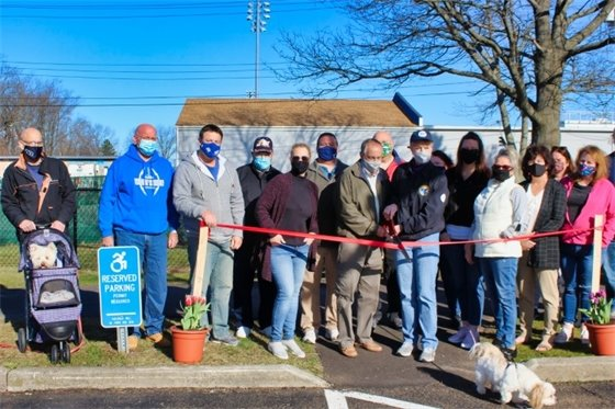 Ribbon-cutting marks opening of new West Haven dog park