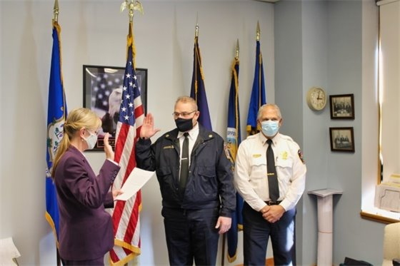 Allingtown fire chief sworn in