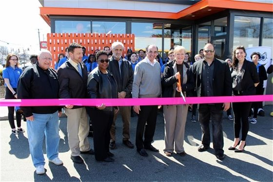 Rte. 1 Dunkin' Donuts reopens as next-generation Dunkin'